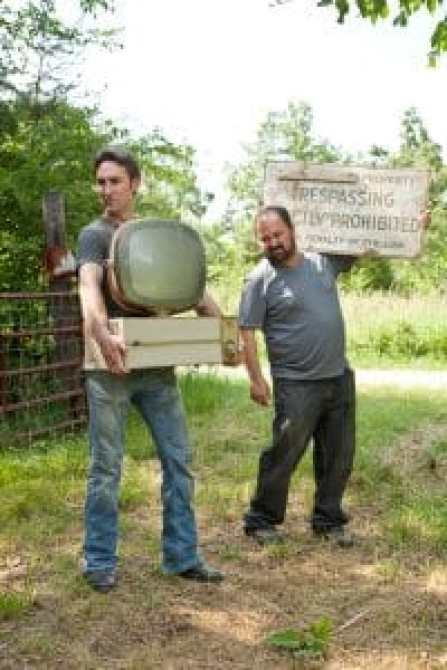 AMERICAN PICKERS, (from left): Mike Wolfe, Frank Fritz