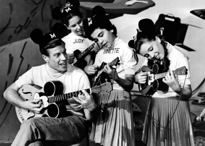 annette-funicello-and-cast-of-mickey-mouse-club