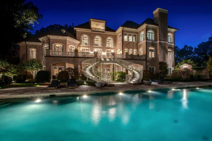 kelly clarkson tennessee mansion for sale