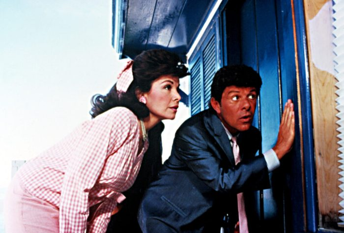 annette-funicello-and-frankie-avalon-back-to-the-beach