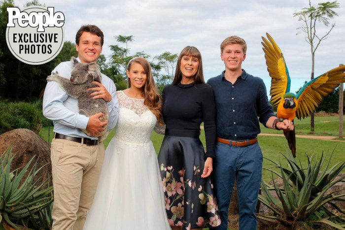 Bindi Irwin and Chandler Powell wedding photos
