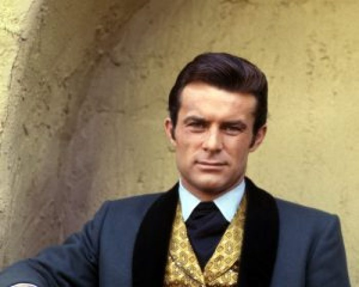 Viewers love the actors to this day, including Robert Conrad and Ross Martin