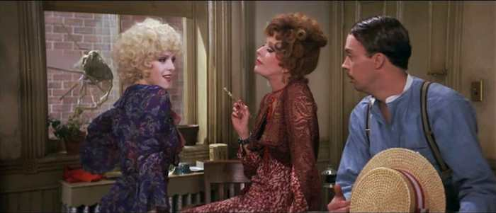 Carol Burnett Had To Hide Effects Of Her Cosmetic Surgery In One 'Annie' Scene