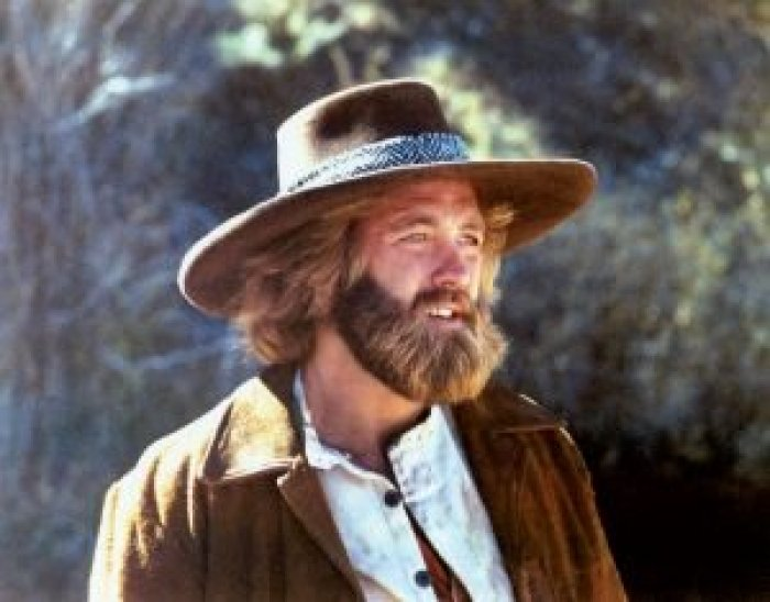 Outside of filming, Dan Haggerty actually took in injured animals on his ranch