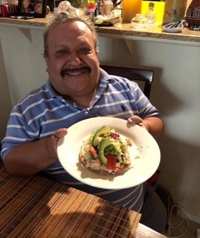 chuy bravo showing plate of food