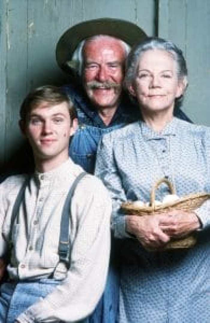 Both Grandma and Grandpa Walton had to act wisely to avoid damage to their careers