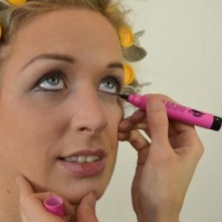 Marilyn Makeup Tutorial 12