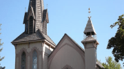 The Historic Architectural Review Committee approved a polymer shake roof to replace the decaying cedar shakes on this Jacksonville, Ore., church. PHOTO: DaVinci Roofscapes