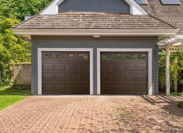 Haas Door adds English Oak and American Walnut to its product line two uni- & Garage Door Product Line Adds Uni-Directional Wood Grain Patterns ...