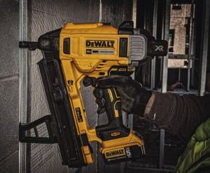 As an electric tool, the 20V MAX Cordless Concrete Nailer eliminates the need to maintain and store fuel cells on the jobsite.