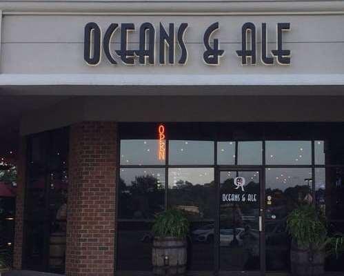 Foodie Traveler: Oceans & Ale, Williamsburg, VA
