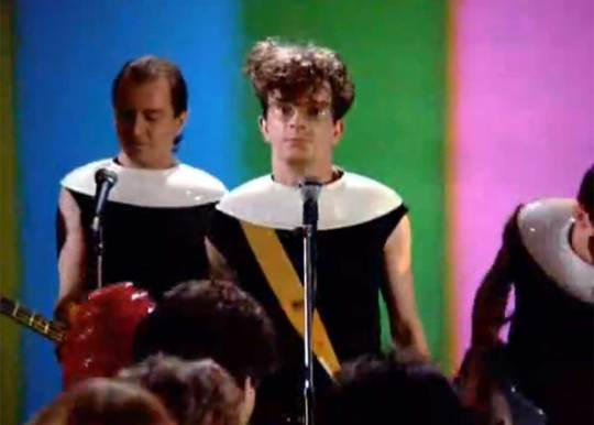 DEVO on the Classic 80's Sitcom Square Pegs