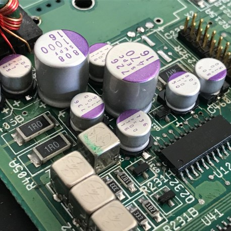 Amiga 600 recapped polymer capacitors