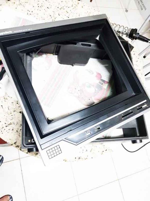 monitor-mbw-12-ok Casemod Monitor  Mbw-12 Gradiente com Monitor Samsung 510N