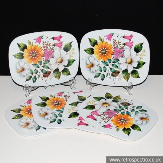 Flowery place mats
