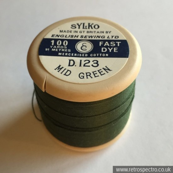 Dewhurst's Sylko Cotton Mid Green D.123
