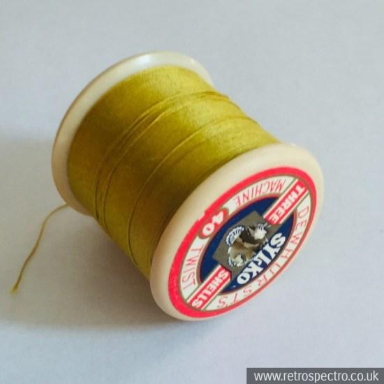 Sylko cotton reel D.328 Mustard
