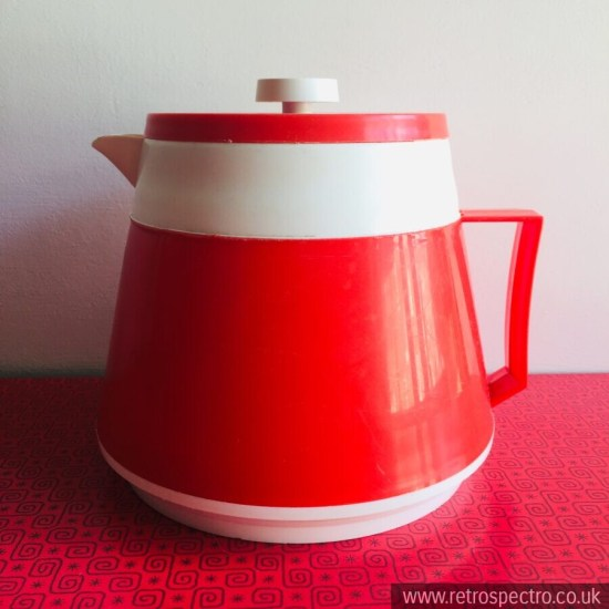 Thermal Welware Tea Pot in red and white. Circa 1970's