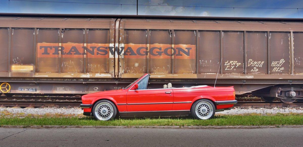 Predám BMW 320i Cabrio E30