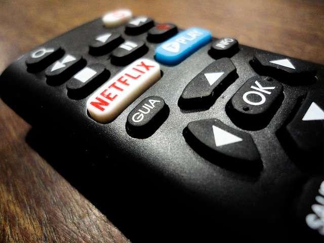 """Cómo eliminar series o películas de """"Continuar viendo"""" en Netflix"""