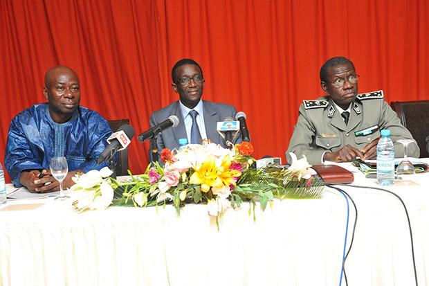 Baidy Agne CNP, Amadou Bâ, MEF et Elimane S Gningue DG Douanes