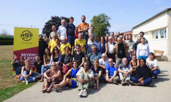 Des dizaines de bénévoles formés pendant le « camp de base » du MFRB ! – Mouvement Français pour un Revenu de Base