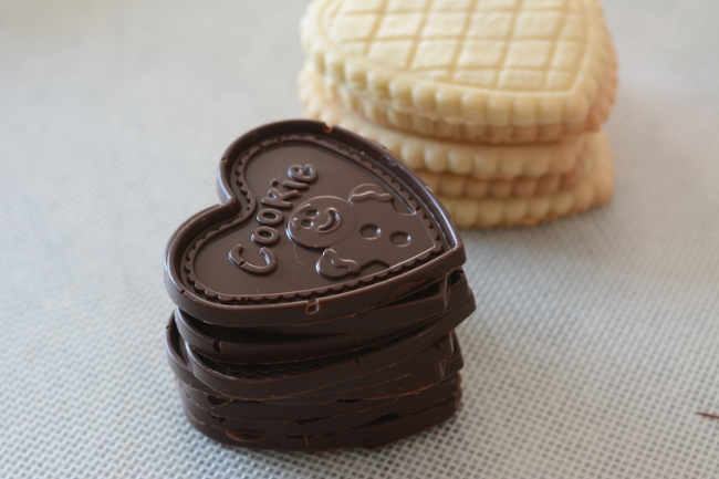stacks of cookies. Choco Leibniz and Petit écolier don't have to be just a special treat. Make these impressive butter cookies with molded chocolate at home!