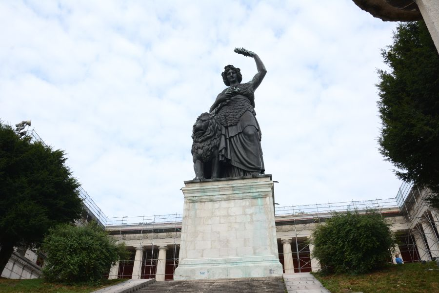 Bavaria Statue and Ruhmeshalle (Hall of Fame) in Munich, Germany.