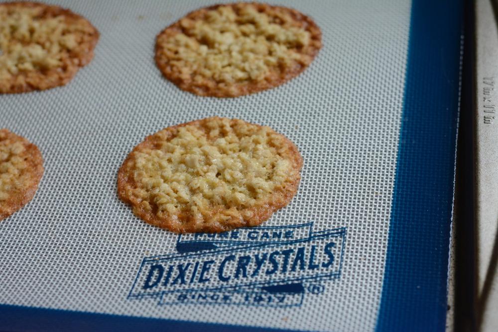 fresh baked crispy oatmeal cookies