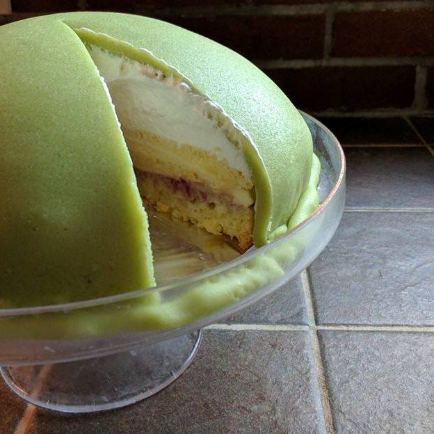 prinsesstårta - princess torte inside