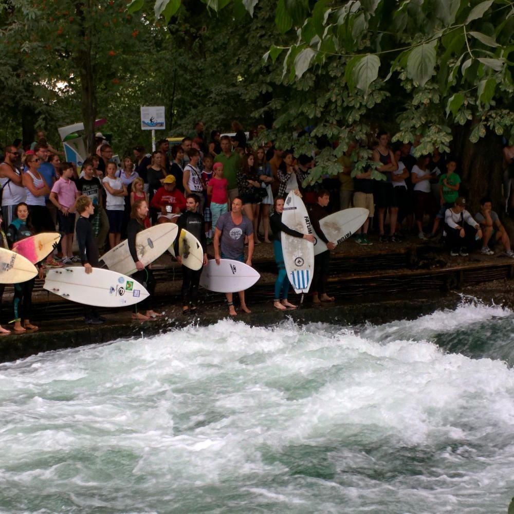 surfing-eisbach-how-to-spend-24-hours-in-munich