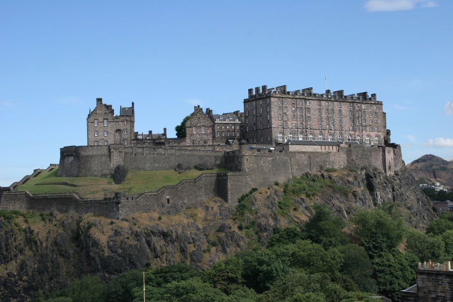 Edinburgh Castle in Scotland. Learn more about the city as a Must See Travel Bucketlist item!