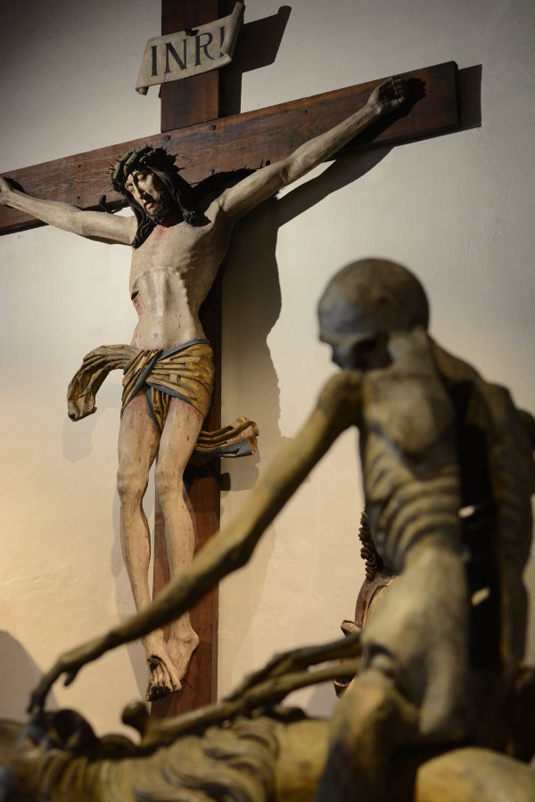 Crucifix and skeleton sculptures at Bayerisches Nationalmuseum.