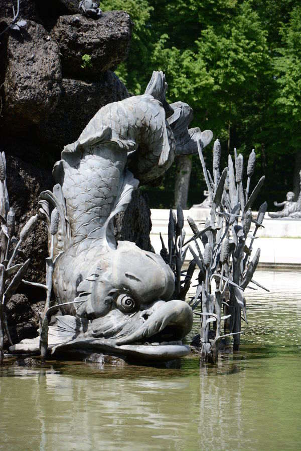 A fish decorates a fountain at the Herrenchiemsee.
