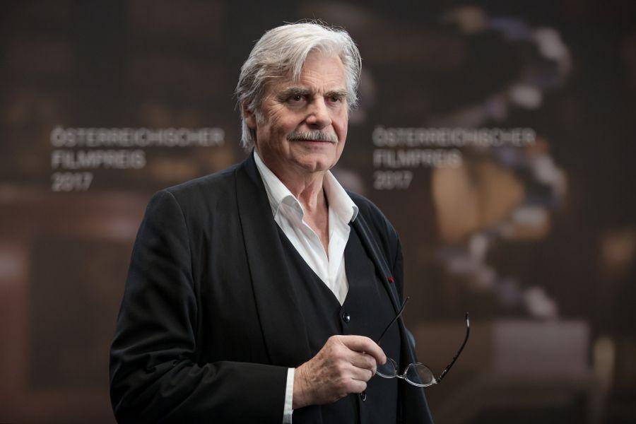 Learn German with the films of Austrian actor Peter Simonischek.