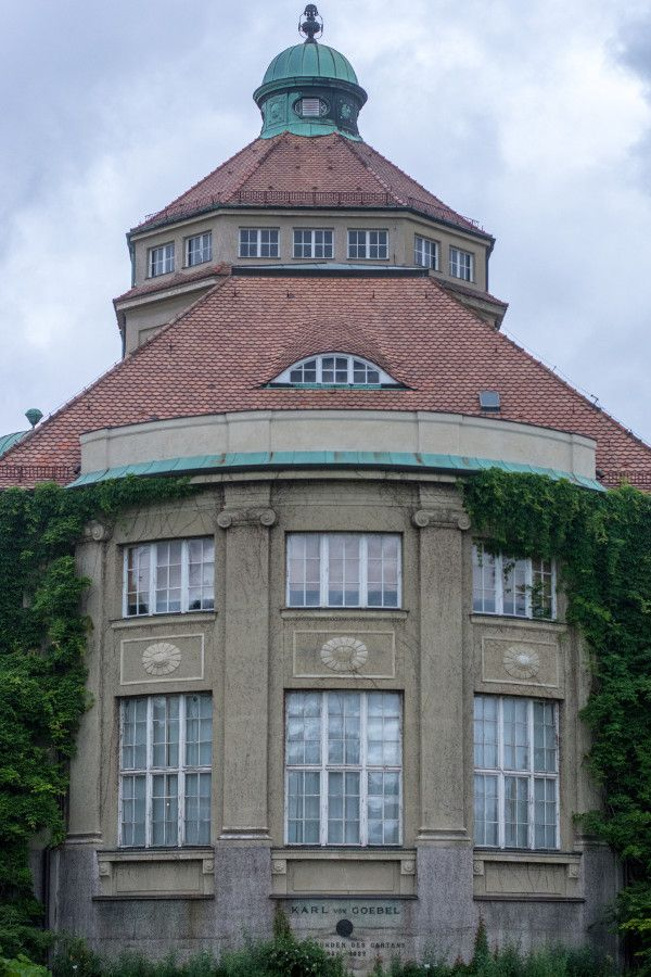 Up close with the building at the Munich Botanical Garden.
