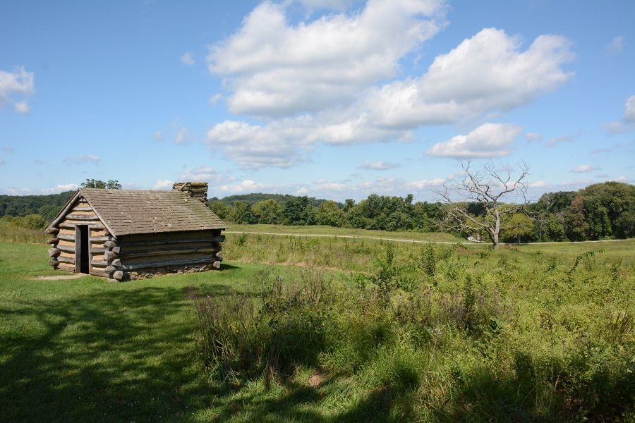 A wooden cabin at Valley Forge.