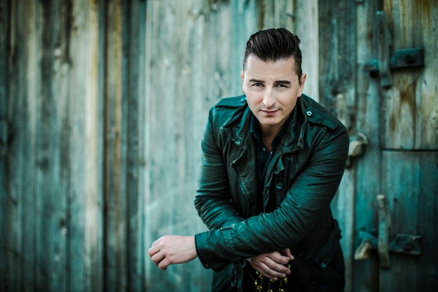 Learn German with the music of Austrian folk musician Andreas Gabalier!