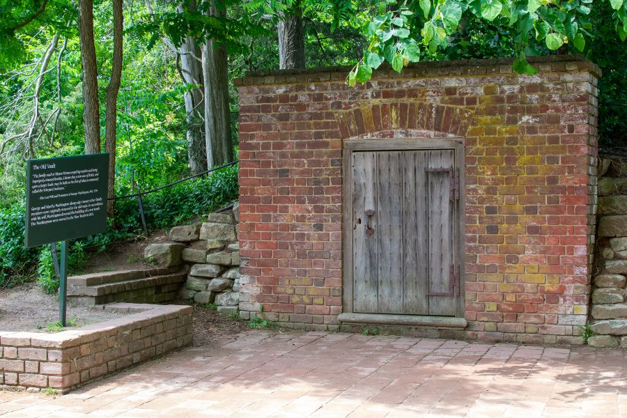 The old tomb at Mount Vernon.