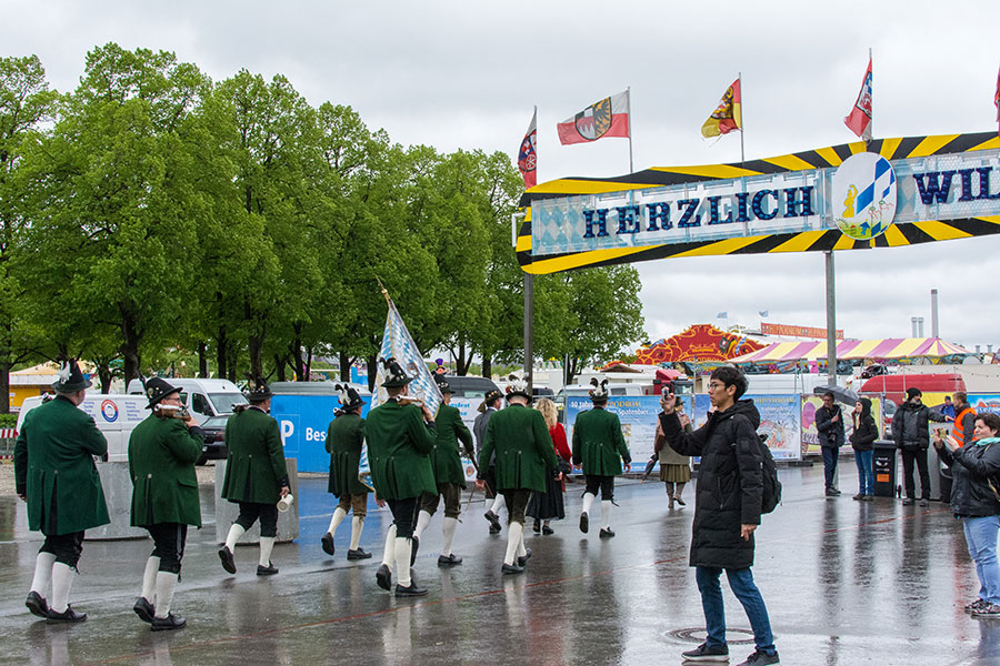 Locals parade onto the Wiesn at Munich Frühlingsfest.