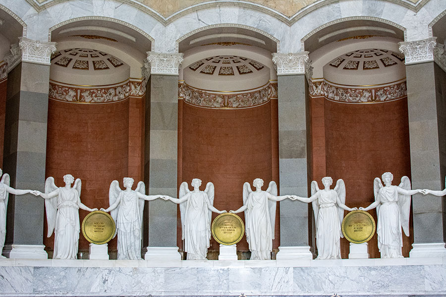 Goddesses of Victory inside of the Befreiungshalle Kelheim.