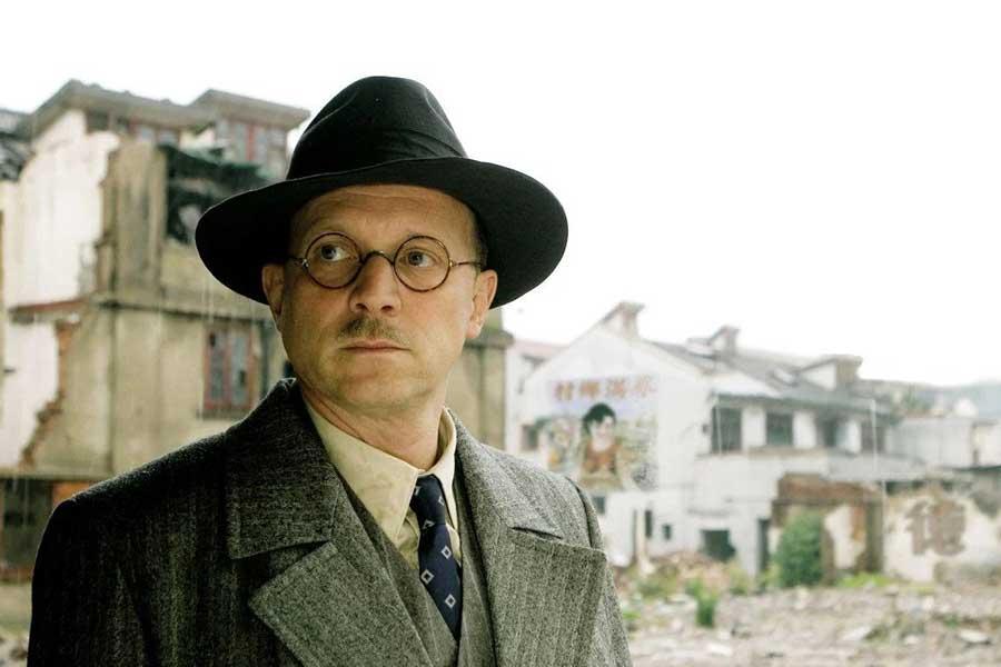Learn German with the film John Rabe starring Ulrich Tukur.