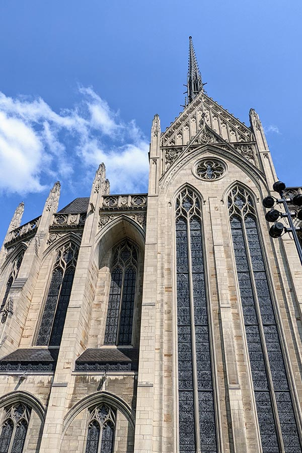 The Heinz Memorial Chapel stuns with remarkable architecture.