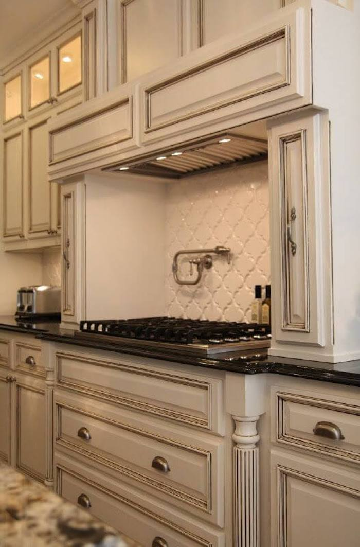 Backsplash Antique White Cabinets - 25 Antique White Kitchen Cabinets Ideas That Blow Your Mind - Reverb