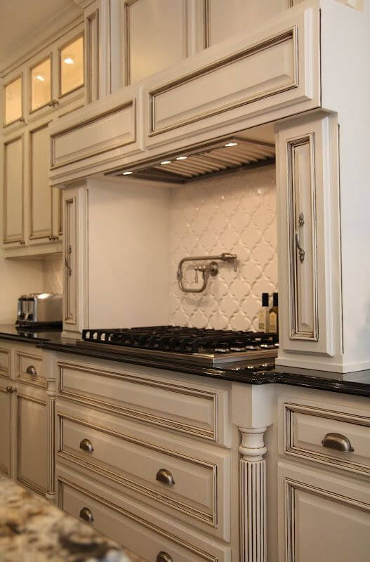 Beau Backsplash Antique White Cabinets