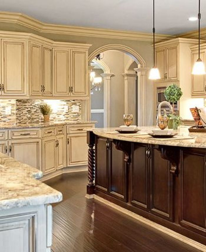 25 antique white kitchen cabinets ideas that blow your for Best wall colors for cherry kitchen cabinets