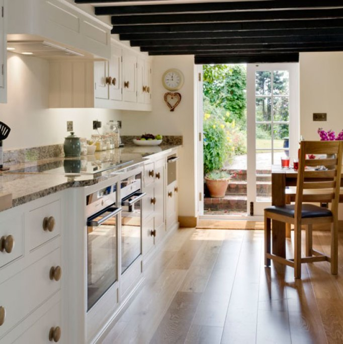 Galley Style Kitchen: 10+ The Best Images About Design Galley Kitchen Ideas Amazing