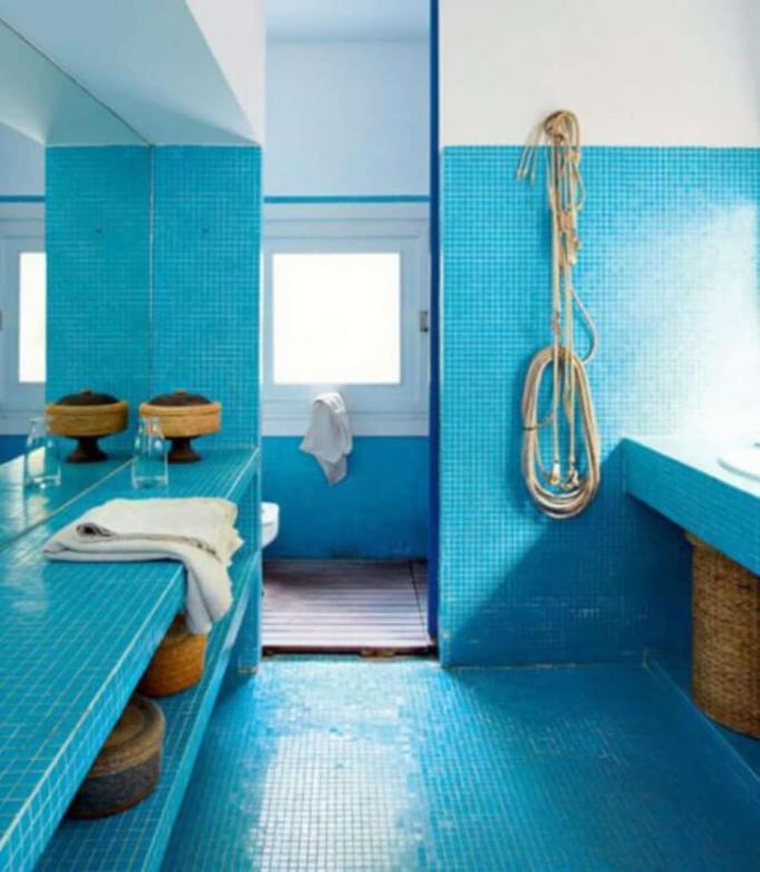 https://i2.wp.com/www.reverbsf.com/wp-content/uploads/2018/05/Turquoise-Mosaic-Tile-in-Beach-Themed-Bathroom.jpg?resize=682.5%2C783