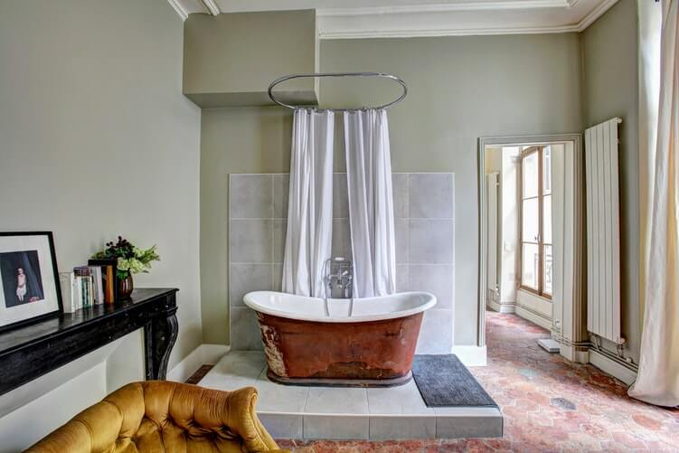 14 Stunning Master Bathroom Layouts Collection