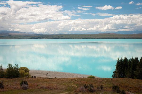 reflet dans le lac Pukaki